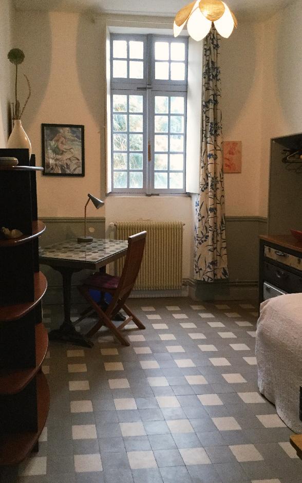 une chambre chez la prof